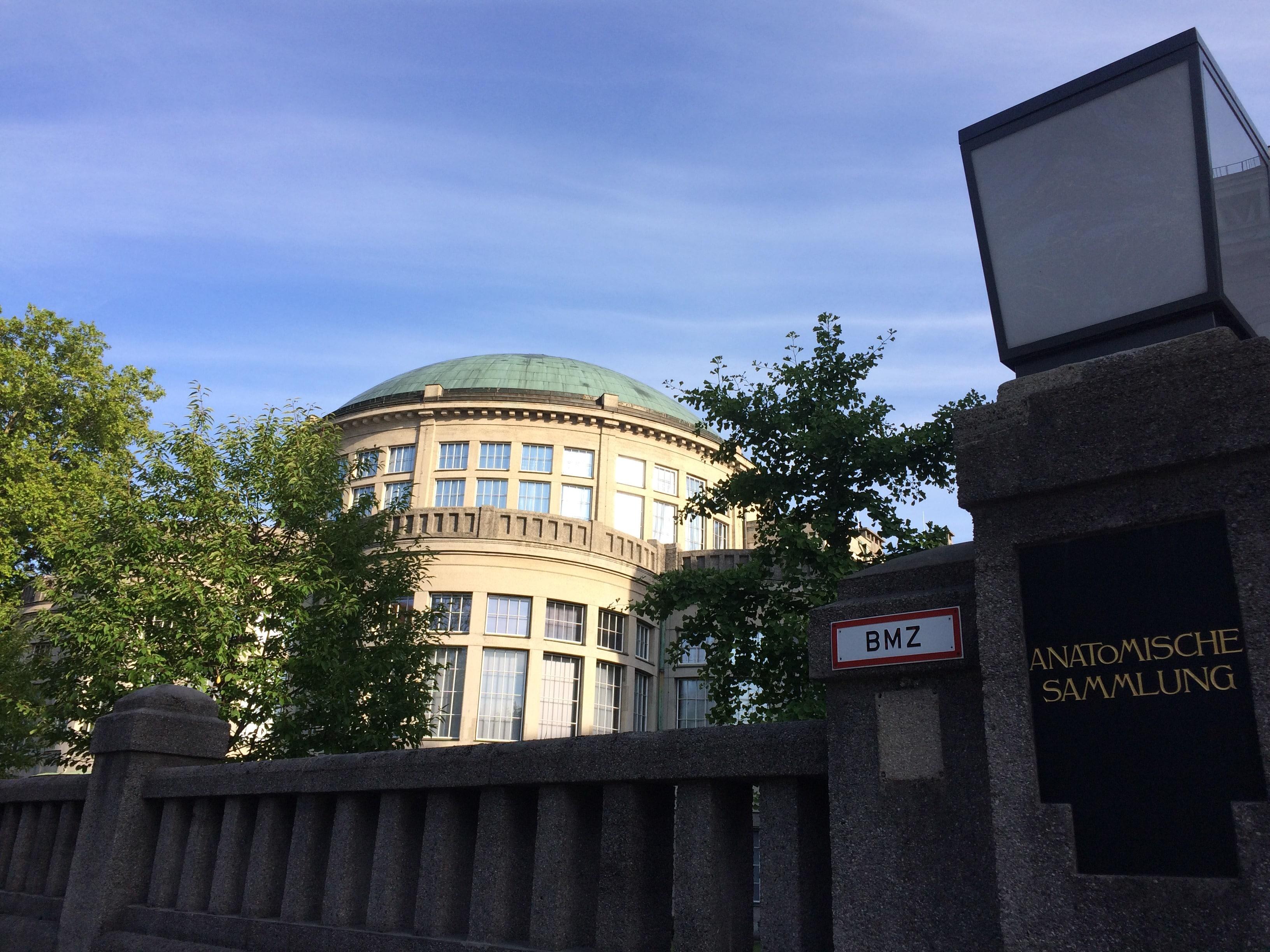 Monaco di Baviera, il quadrilatero della facoltà di medicina nell'area di Goethstrasse.